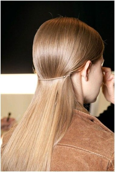 Trendy Long, Sleek Straight Haircut: No Bangs Hairstyles