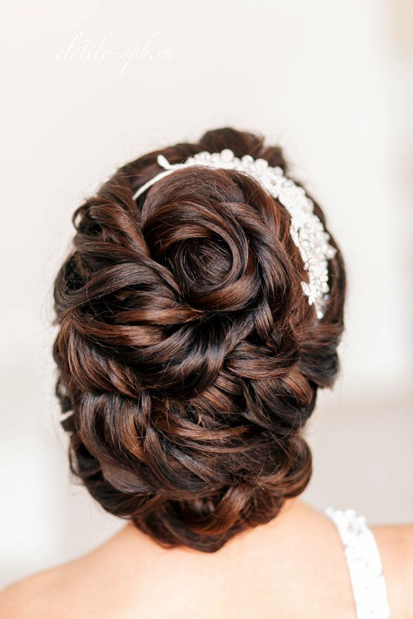 curly wavy wedding hairstyle for long hair