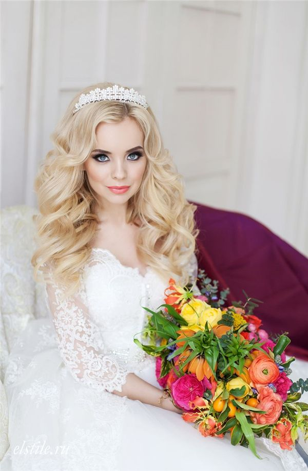 Princess Bridal Hairstyles and Long Sleeves Wedding Dress / www.deerpearlflow...