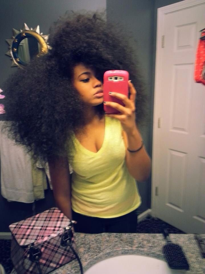 My hair goal inspiration!!! I'm gonna really try to let my hair grow back ou...