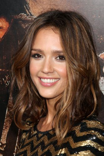 medium brunette hair color with highlights | 10 Celebrity Hairstyles For Medium ...