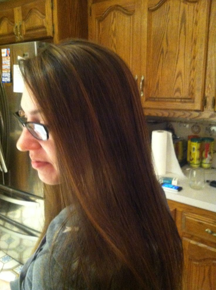 Caramel highlights on natural brown hair. Kaliedekolors in tan , with 20 volume....