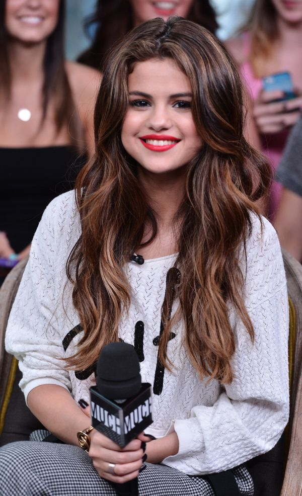 We've seen Selena Gomez's gorgeous chocolate locks styled in virtually every...