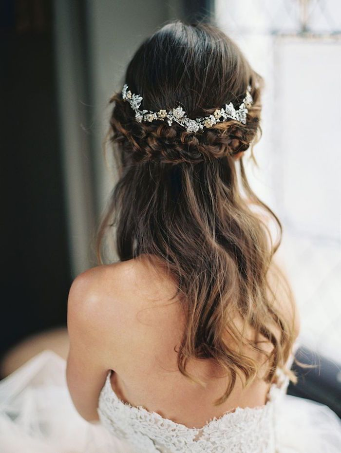 Wedding hairstyles 20 stunning half up half down wedding 20 stunning half up half down wedding hairstyles with tutorial deerpearlfl junglespirit Images