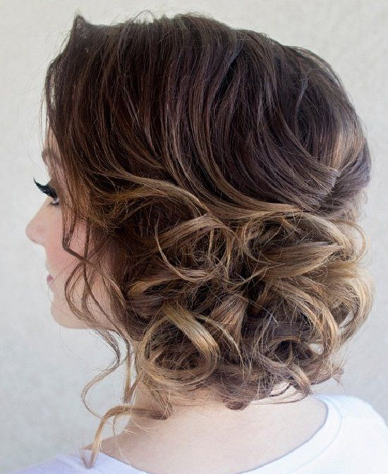 cute medium hairstyles for women 10 / www.meetthebestyo...