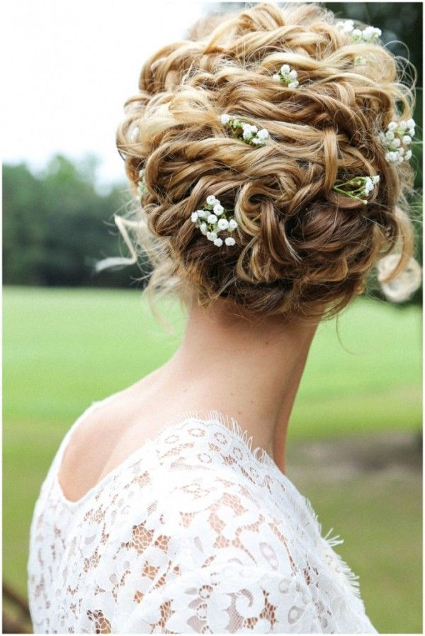 gorgeous wedding hair with baby's breath / www.deerpearlflow...