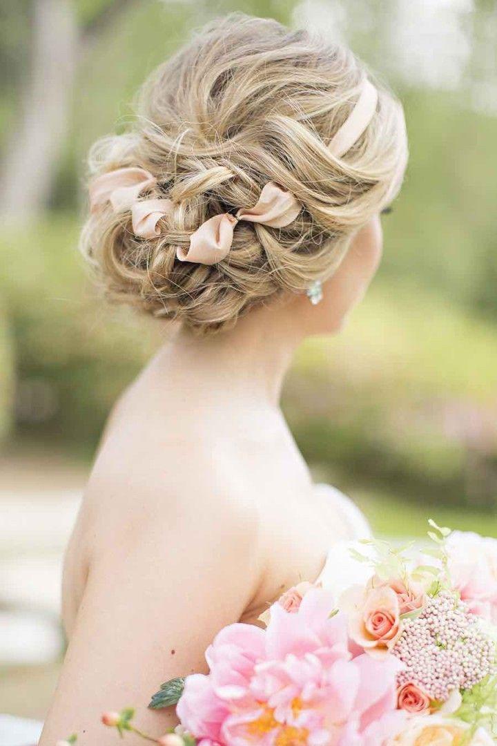 wedding hairstyle idea; photo: Alicia Pyne Photography