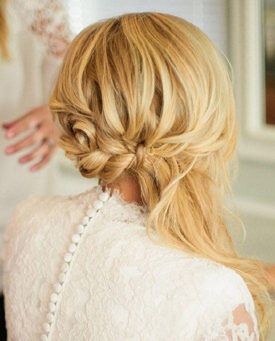 cute medium hairstyles for women  / www.meetthebestyo...