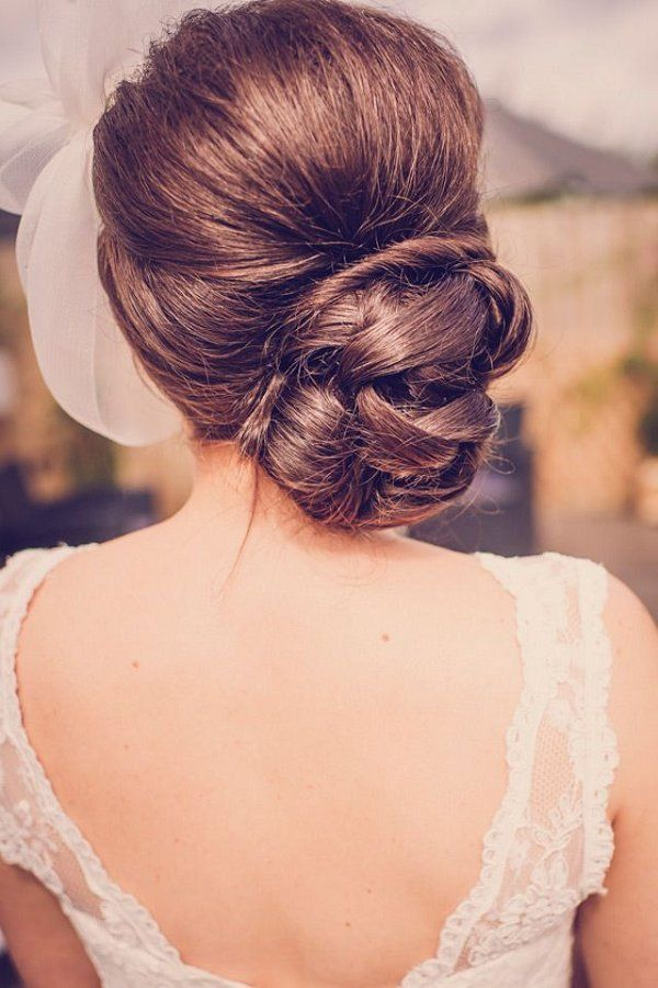 classic updo wedding hairstyle / www.deerpearlflow...