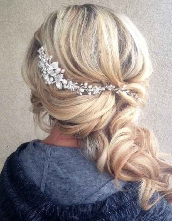 cute medium hairstyles for women 8 / www.meetthebestyo...