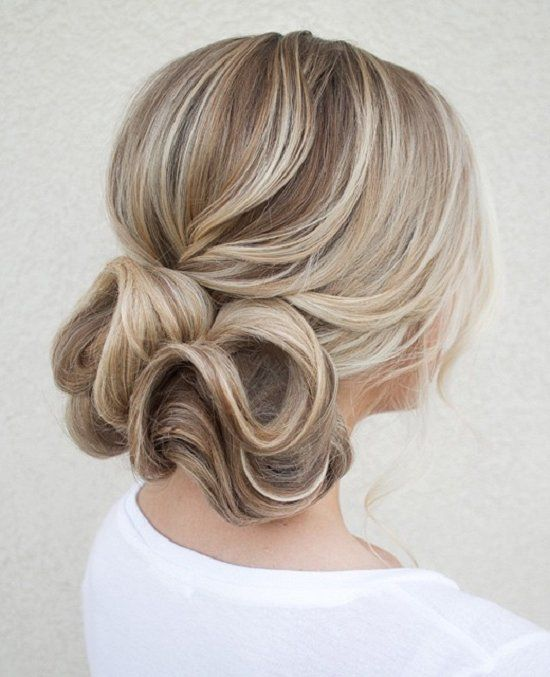 cute medium hairstyles for women 9 / www.meetthebestyo...