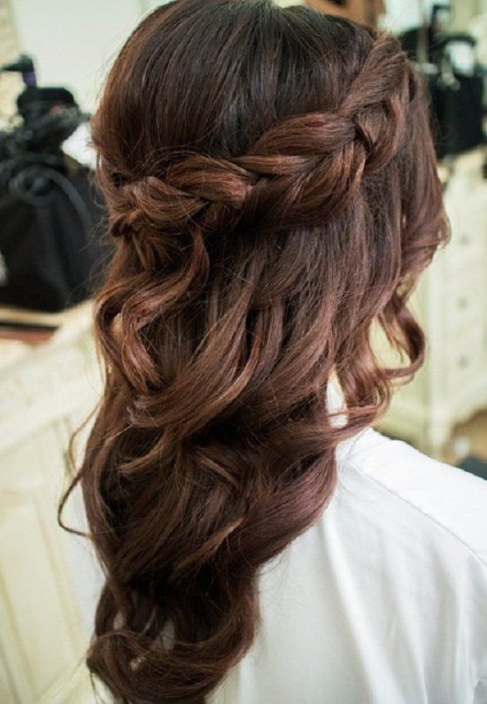 cute medium hairstyles for women  / www.meetthebestyo...