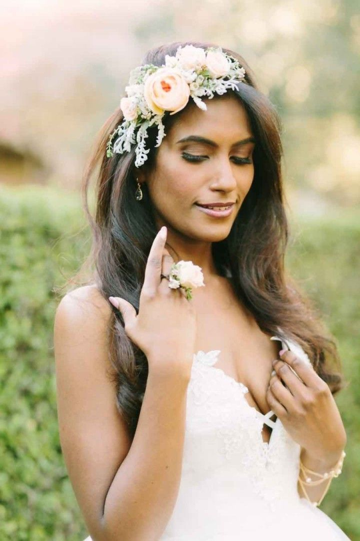 wedding hairstyle idea; photo: U Me Us Studios