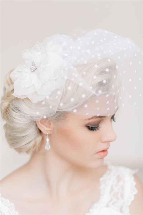 Retro Wedding Hairstyles and Updos 3