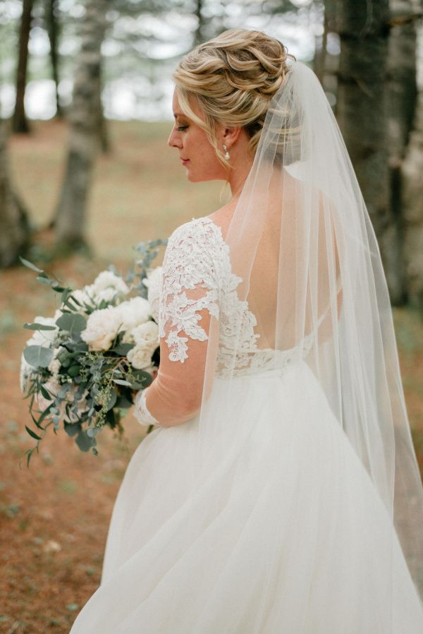 Featured Photographer: Geneoh Photography; Wedding hairstyles ideas.