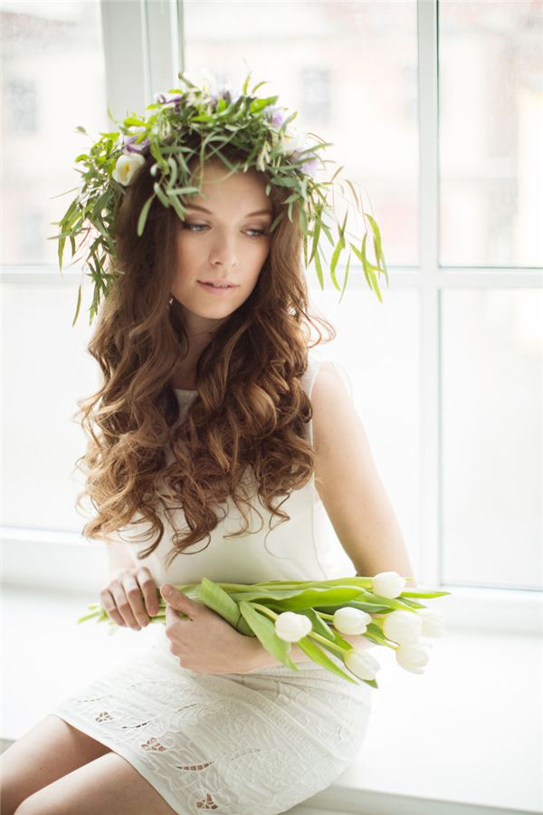 Bridal Hairstyles Princess Down Wedding Hairstyle With Green Crown