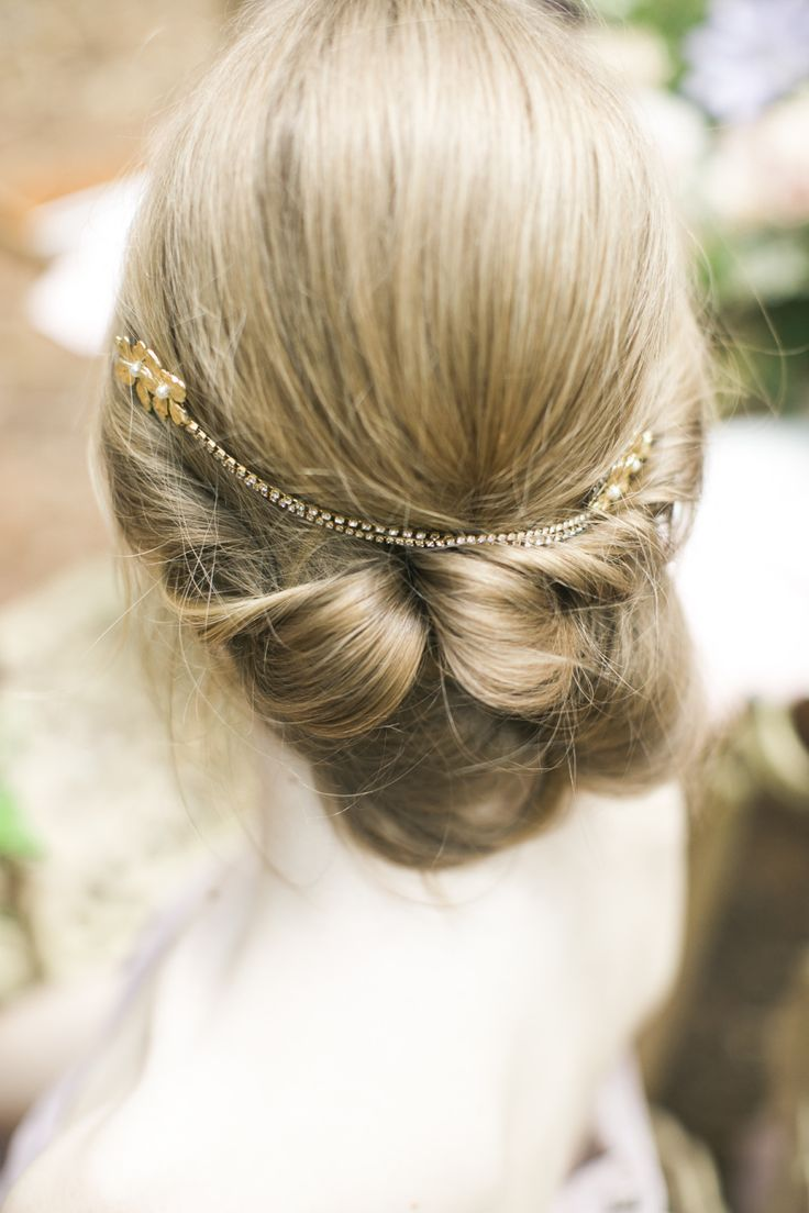 Featured Photographer: Hello Inspira Photography; Wedding hairstyles idea.