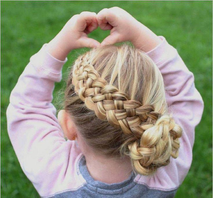 coiffure petite fille tresse avec chignon pour cheveux longs blonds #hairstyles ...