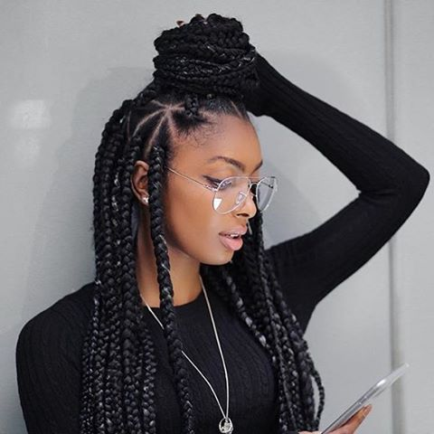 These triangle box braids are so cute on @jourdanriane by @beautycreationinsta :...