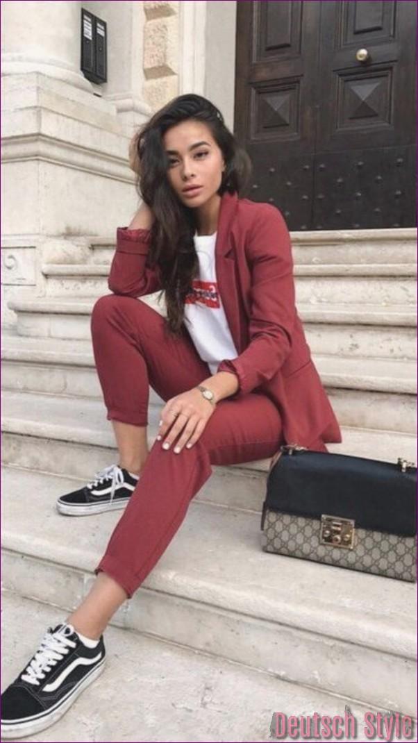 "40 Unboring casual outfits for women over 40 ""width ="" 600 ""height ="" 1068 ""data-jpibfi-post-excerpt ="" ""data-jpibfi-post-url ="" http://www.frisuren-2018.com/ 40-unboring-casual-outfits-for-women-over-40 / ""data-jpibfi-post-title ="" 40 Unboring casual outfits for women over 40 ""data-jpibfi-src ="" http: //www.frisuren- 2018.com/wp-content/uploads/2019/06/1559908343_849_40-Unboring-Casual-Outfits-für-Frauen-über-40.jpg ""/><br/><span class="
