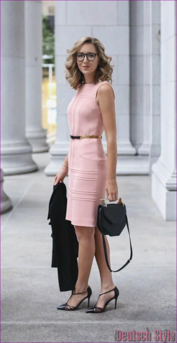 "40 Unboring casual outfits for women over 40 ""width ="" 600 ""height ="" 1162 ""data-jpibfi-post-excerpt ="" ""data-jpibfi-post-url ="" http://www.frisuren-2018.com/ 40-unboring-casual-outfits-for-women-over-40 / ""data-jpibfi-post-title ="" 40 Unboring casual outfits for women over 40 ""data-jpibfi-src ="" http: //www.frisuren- 2018.com/wp-content/uploads/2019/06/1559908352_826_40-Unboring-Casual-Outfits-für-Frauen-über-40.jpg ""/><br/><span class="