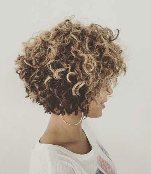 Natural curly short hairstyles for pretty ladies