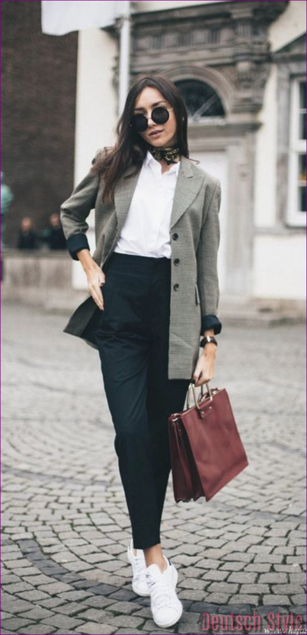 """10 Tips to Dress for an Interview """"width ="""" 600 """"height ="""" 1243 """"data-jpibfi-post-excerpt ="""" """"data-jpibfi-post-url ="""" http://www.frisuren-2018.com/10 -tips-to-dress-for-an-interview / """"data-jpibfi-post-title ="""" 10 tips to dress for an interview """"data-jpibfi-src ="""" http://www.frisuren-2018.com/ wp-content / uploads / 2019/07/10-tips-for-dressing-for-a-interview.jpg """"/></p> <p>Choosing the color of your dress for an interview can be difficult. You never know what could irritate the interviewer. However, to be on the safe side, you can opt for monochrome colors. Whether you are a man or a woman, you can choose a full suit for a good first impression.</p> <p><strong>Do not go for bright colors</strong></p>  <p><img class="""